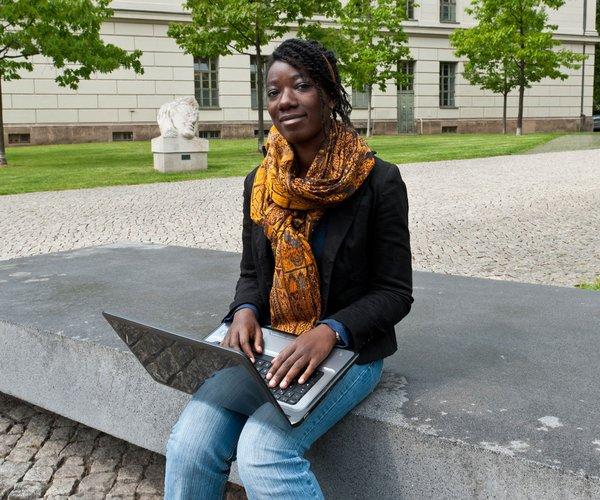 Studentin in Halle