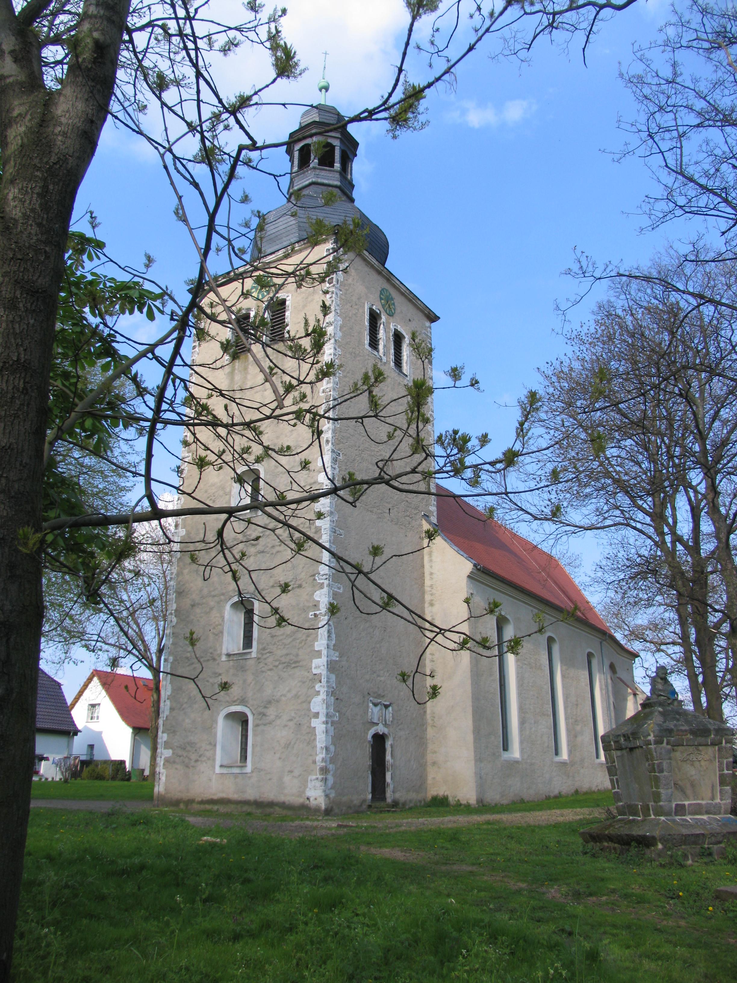 Kirche Gollma in Landsberg/ OT Gollma